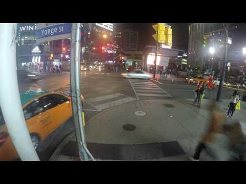 Yonge - Dundas square Night time-lapse