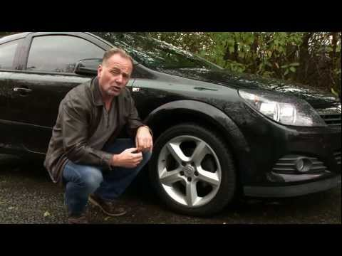 How to change a car tyre - advice from Steve Berry and The Co-operative