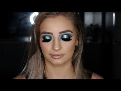 Blue Halo Cut Crease | Client Makeup Tutorial