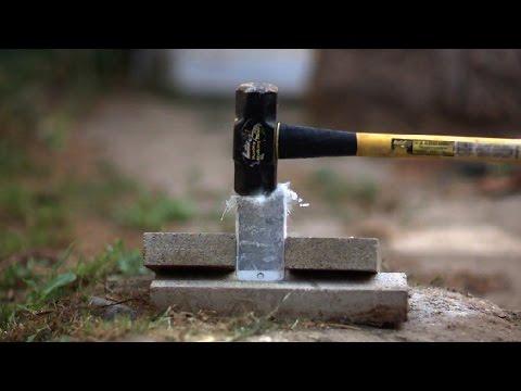 iPhone 6 Plus vs Liquid Nitrogen