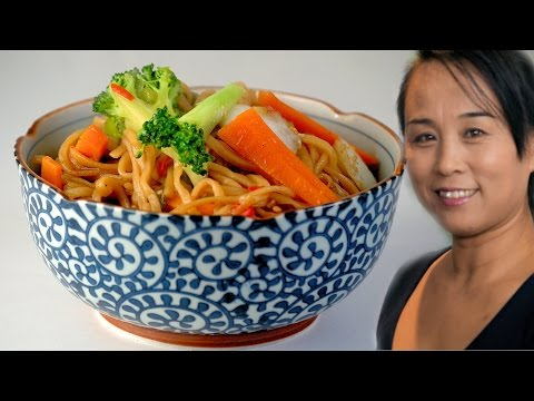 Chinese Egg Noodle & Vegetable Stir Fry (Chinese Vegetarian Recipe)