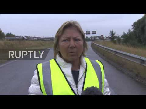 France: Calais mayor calls for refugee camp disbandment as protest continues