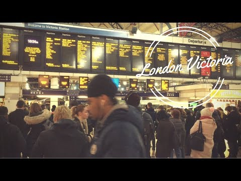 London Victoria Train Station at Peak Time