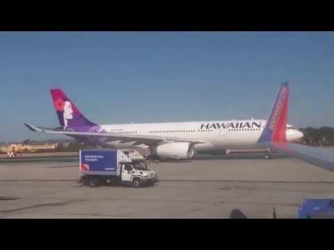 Hawaiian Airlines - Airbus A330-200 Taxiing in San Diego (KSAN)