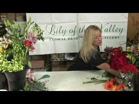 Wedding Flowers  : How to Make Nosegay Wedding Bouquets