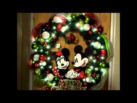 Large Classic Mickey and Minnie Christmas Wreath