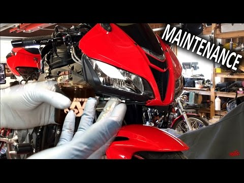 How to change your motorcycle's oil [Maintenance]