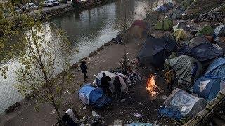 Situation tendues dans des camps de migrants à Paris après deux noyades en 48 heures