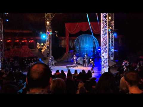Winter Wonderland Circus Hyde Park - Crew performing