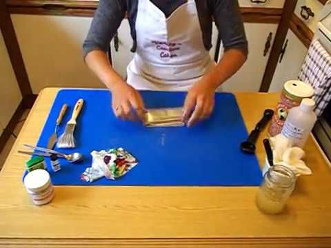 EdiFab - how to make your own edible fabric for cake decorating