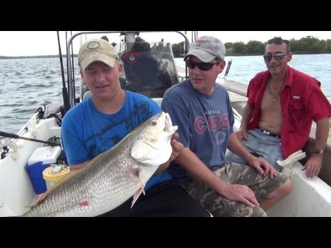 Incredible Catch! Bull Red Fishing, 2 Fish, 1 Line!!!