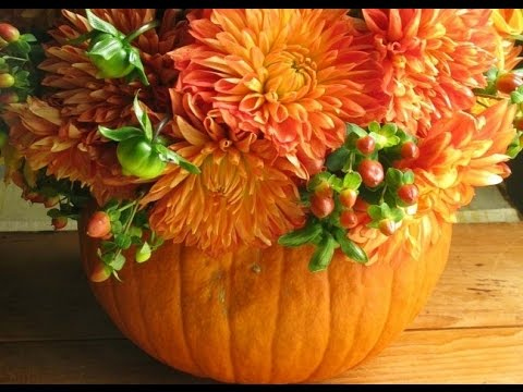 DIY Pumpkin Vase Fall Centerpiece