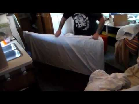 tips to making a bed in an rv (bunk beds:fitted sheets)
