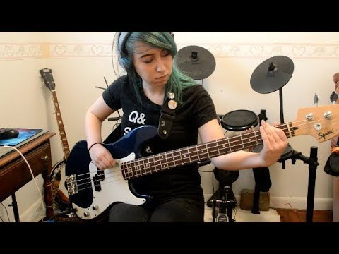 FALL OUT BOY - I'M LIKE A LAWYER WITH THE WAY I'M ALWAYS TRYING TO GET YOU OFF (MY FIRST BASS COVER)