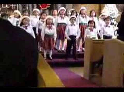 Elysha's Crystal Choir Xmas Performance on 2007-12-02