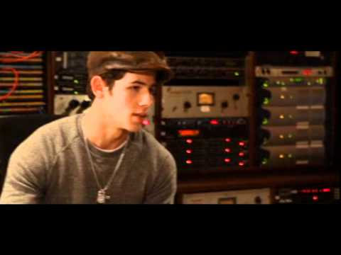 Gabrielle Giguere talks about how it was working with Nick Jonas