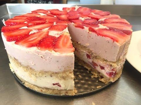 Tarta / torta de fresa y anacardos cruda. Sin gluten.