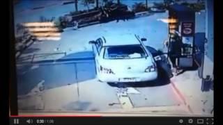 #x202b;ערבי גונב רכב מיהודיה בתחנת הדלק ברנטיס#x202c;lrm;