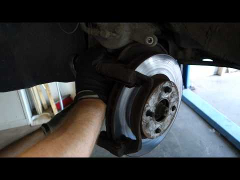 How to replace front brake disc Toyota Corolla. Years 2002 to 2010