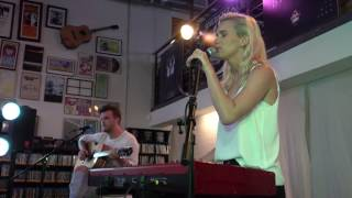 Broods - Taking You There (Acoustic) LIVE HD (2016) Long Beach Fingerprints Music