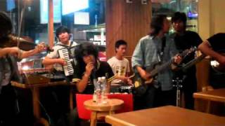 ERROR 99 BAND[Thairish] performing Fishermans blues at Finnegans 2 Bangkok