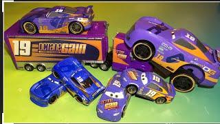 Disney Pixar cars 3 Daniel swervez, Bobby swift piston cups race cars
