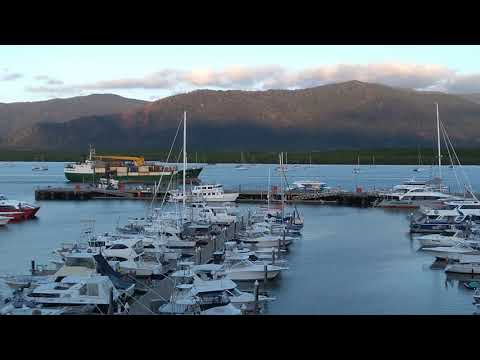 Seaswift MV Trinity bay arriving at Cairns port (Timelapse)