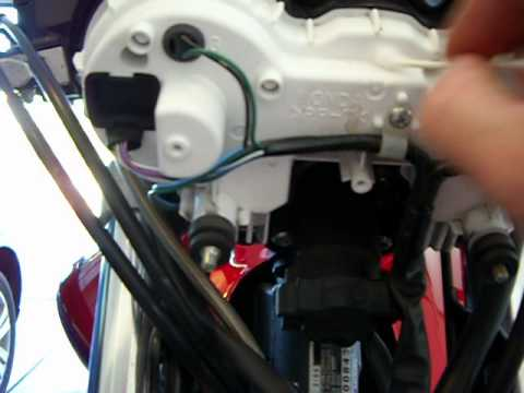 How to replace a burned out speedometer bulb on a Honda 919