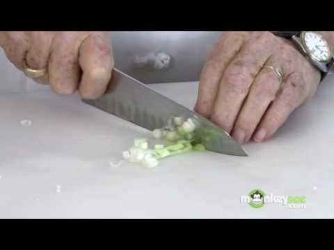 How To Chop Green Onions