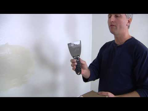 How to Spackle Interiors and Exteriors