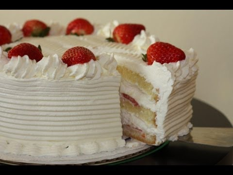 White cake with strawberries recipe and decoration