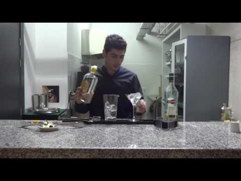 HOW TO MAKE A CLASSIC DRY MARTINI