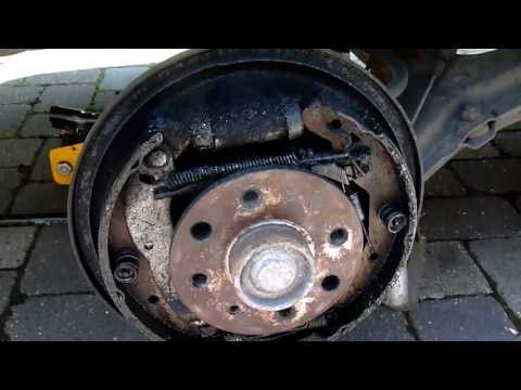 How to work on Astra  Brakes    Removing Brake drums