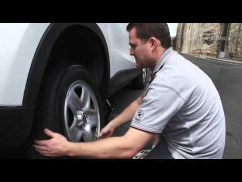 How to Change a Car Tyre | Drive.com.au