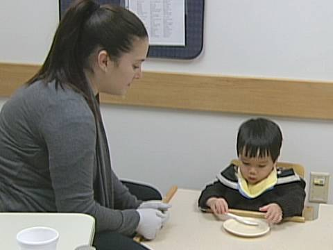 Feeding and Swallowing - Feeding Therapy Sessions - The Children's Hospital of Philadelphia (3 of 6)
