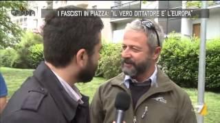I fascisti in piazza.