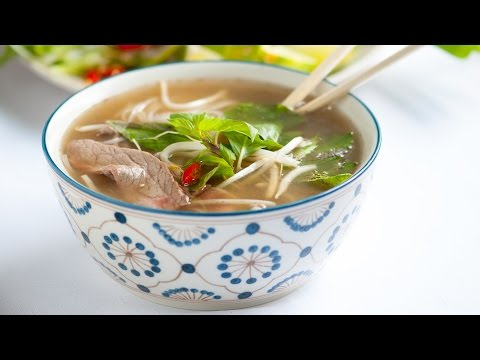 Homemade Vietnamese Pho Soup Recipe – How to Make Beef Pho Noodle Soup