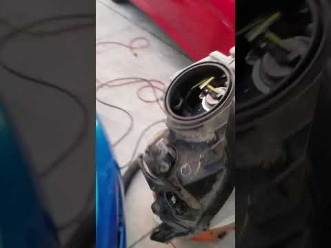 Ford fiesta low beam headlight bulb replacement