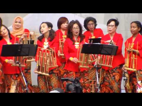 Imagine on the Indonesian Angklung