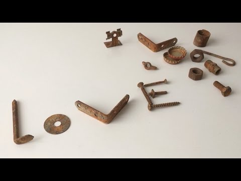 How to Rusty Metal Pieces Using Vinegar, Hydrogen Peroxide and Salt