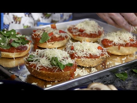 How To Make The World's Finest Gourmet Pizza Bagels