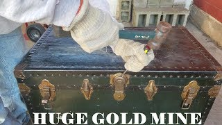 MONEY In OLD TRUNK Abandoned Storage Unit Auction Locker / Opening Mystery Boxes Storage Wars