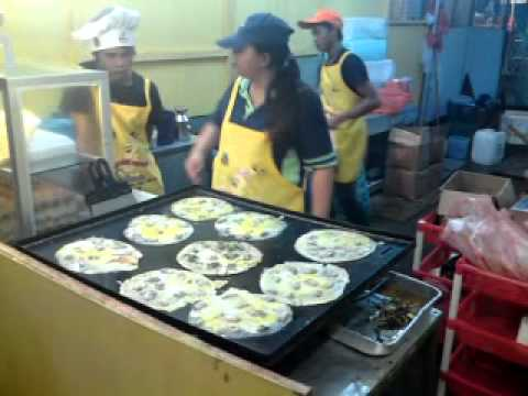 kuching fastival 2010 oyster omelette