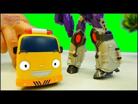 Toy Cars Army - Happy TRANSFORMER MEGATRON! - TAYO Bus, Lightning McQueen Toys videos for kids