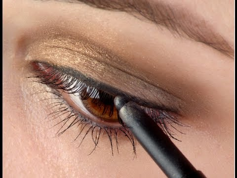 How To Apply Eyeliner Step By Step Tutorial