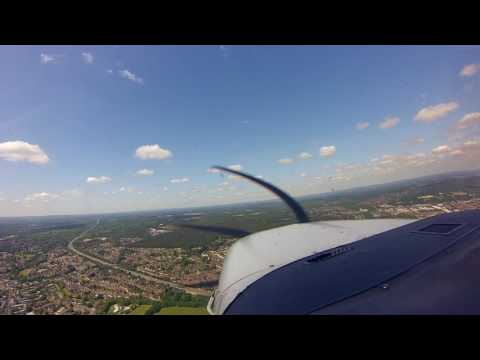 Flying above and around London : UK in a Cessna 206
