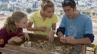 #x202b;חשיפת הממצאים הארכיאולוגים הטמונים בעפר הר הבית#x202c;lrm;