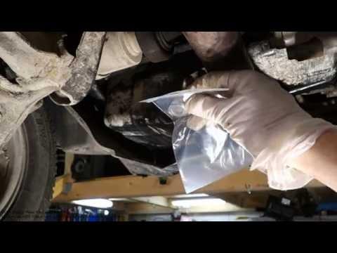 How to repair oil leak in car engine drain bolt