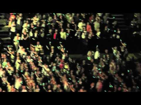 #6 Barry Manilow Docklands O2 concert 07 / 05 / 2011