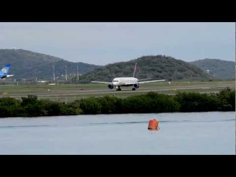 Delta Airlines 757 takeoff from Aruba